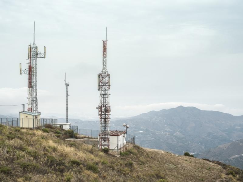 telecommunication-gsm-towers-with-tv-antennas-PES5JLV